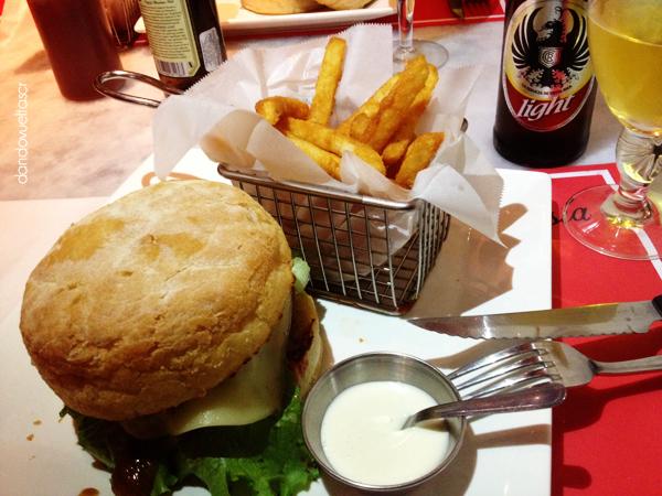 hamburguesia-dandovueltascr-1